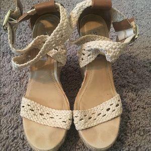 Steve Madden size 7 woven wedge heels